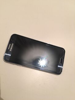 Samsung Galaxy S6 Sapphire 32GB in Excellent Condition.
