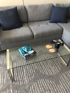 Modern coffee table - in perfect condition