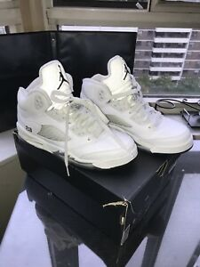 GOOD AS NEW! Air Jordan 5 Retro (Metallic White)