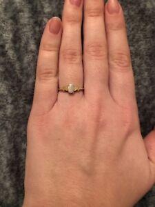 Opal 10k gold ring