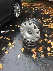 4 Volkswagen Golf 15inch winter rims with hub caps 5x100