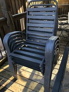 6 stacking patio chairs - gray