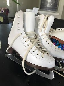 Ladies Riedell figure Skates