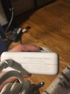 Apple 85 W MagSafe Power Adapter