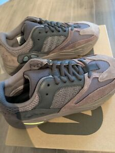 designer fashion 73376 5d51c Yeezy 700 Size 7.5 | Kijiji in Ontario. - Buy, Sell & Save ...