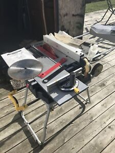 Table saw - excellent condition