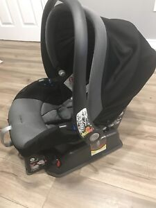 Car seat with base Pre Prego