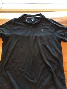 Men's Volcom short sleeve shirts size XL