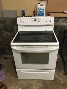 Kenmore Self Cleaning Electric Range Stove