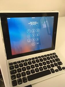 2nd gen iPad 32g with blue tooth keyboard