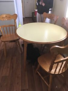 Table & 4 chaira