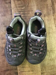 Keen shoes for toddler