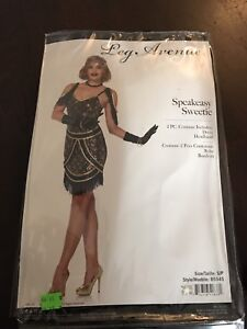 Excellent condition woman's cleopatra costume