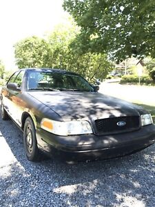 2005 crown victoria police pack
