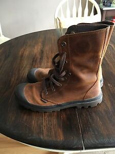 Men's Boot size 12
