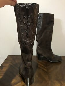 Brand New Naturalizer knee high boots size 4.5 US