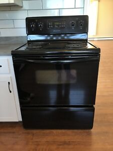 Frididaire Stove 30""