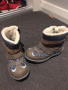 Snow boots Bolwarra Maitland Area Preview