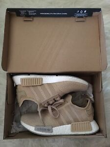 WOMENS ADIDAS NMD R1 SIZE 5 SNEAKERS WITH RECEIPT