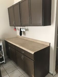 Kitchen Base Cabinets w Counter Top - 6ft - Excellent
