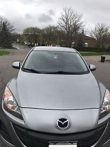 2010 MAZDA3 - LOW KILOMETERS & SNOW TIRES