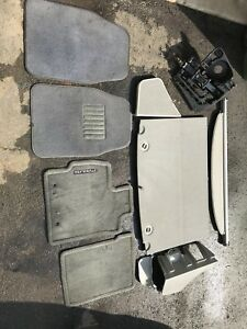 Toyota Prius 2010 floor mats and boot contents
