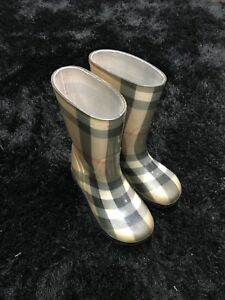 Burberry kids rain boots still in mint condition
