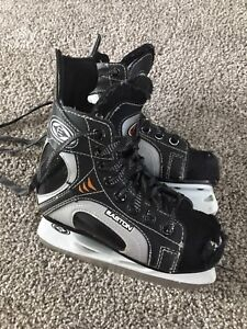 Boys skates (Easton)