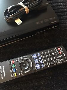 DVD BLURAY DISC PLAYER with remote