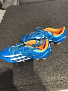 Soccer shoe size 3 youth