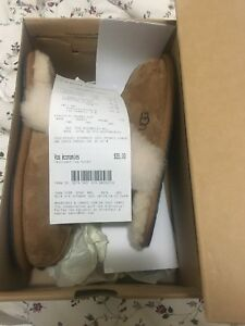 UGGS SANDALS/SLIPPERS
