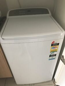 Fisher and paykel 8 kg top loader washing machine Parrearra Maroochydore Area Preview
