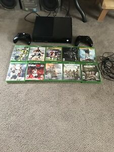 Xbox one,2 controllers, lots of games