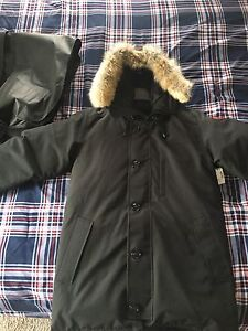 Brand New Large Canada Goose Chateau Parka for men
