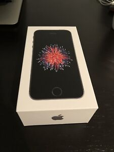iPhone SE 32GB MINT CONDITION