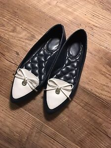Michael Kors Leather Flats SZ 6.5