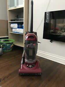 Hoover Upright Vacuum- excellent condition