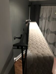 Queen bed base and box spring