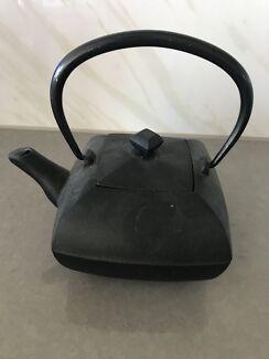 Cast iron Tpot from T2
