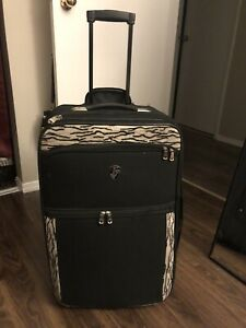 "Heys 28"" 2 Wheel Luggage"