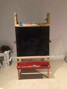 Art and crafts easel