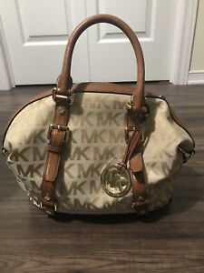 Michael Kors Purse And Matching Wallet Excellent Condition