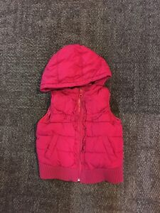 Warm puffer vest by Gap size 24 m