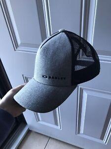 Men's Oakley Hat
