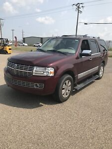 2010 LINCOLN NAVIGATOR FULLY LOADED BACK UP CAMERA REDUCED!!!!