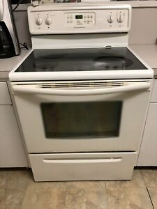 """30"""" White Frigidaire self cleaning stove"""