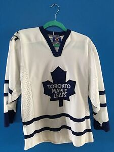 Toronto Maple Leafs hockey jersey