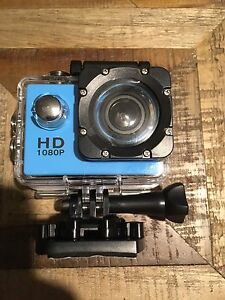 Go Pro Style camera - Un-used open box - lot of mounts
