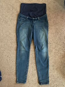 Thyme Maternity jeans and T-shirt size small