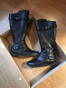 Northface women's boots